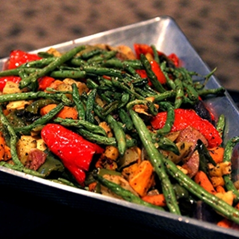 donatellis-catering-roasted-veggies-triangle-dish-square